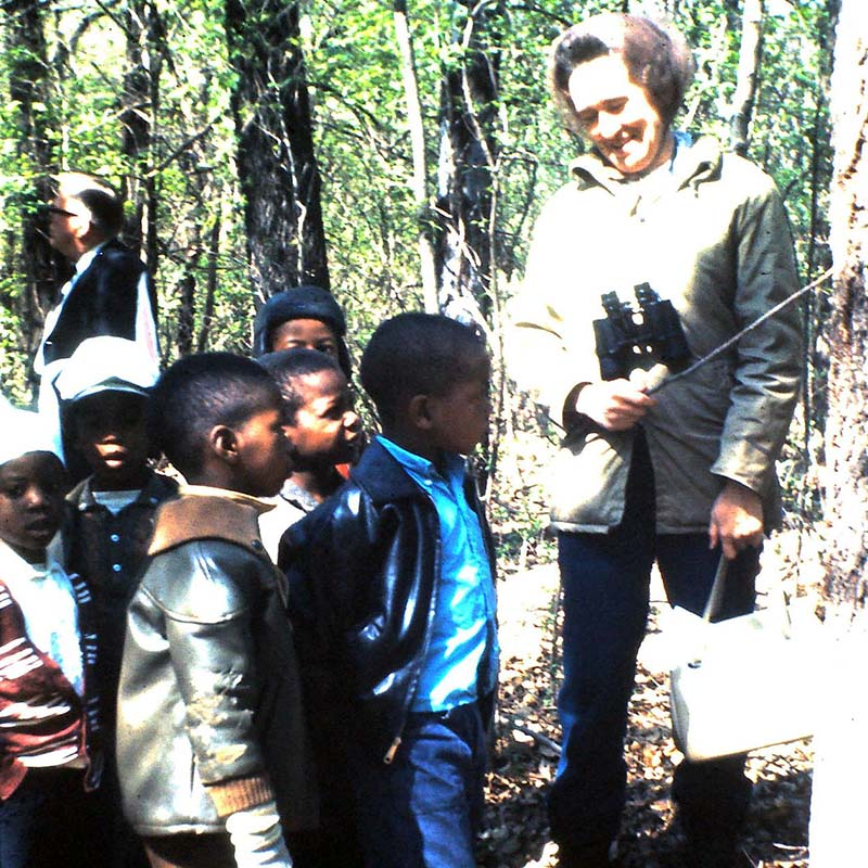 Old 1960s photo of a tour of young kids at Greer Island at the Fort Worth Nature Center
